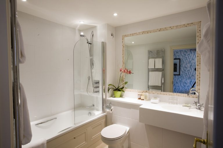 Hotel Ensuite, Fermain Valley Hotel, Guernsey