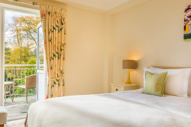 Terrific Gold Rooms Hotel Rooms Suites Fermain Valley Hotel Interior Design Ideas Tzicisoteloinfo